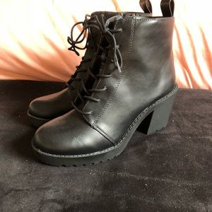 NWOT H&M Boots